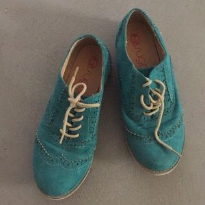 Green Suede Oxford Style Shoes: Size 7